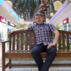 Двадцатилетний парень ищет девушку или женщину для секса без обязательств, в Туле.